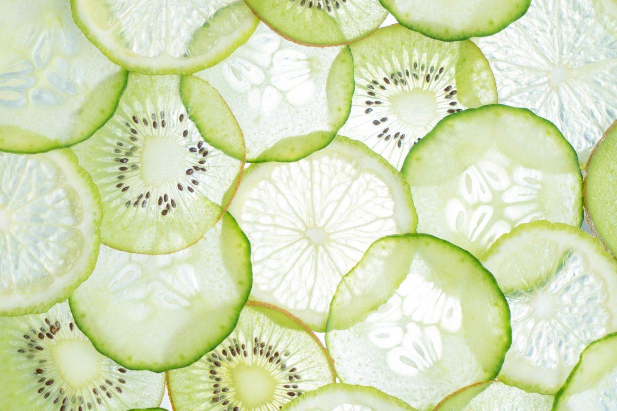 Komkommer en limoen goed voor te detoxen