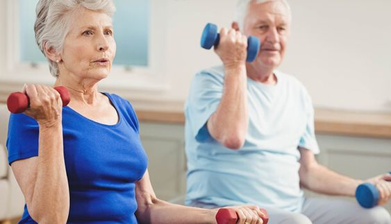 work-out voor senioren om de gewrichten sterk en soepel te houden